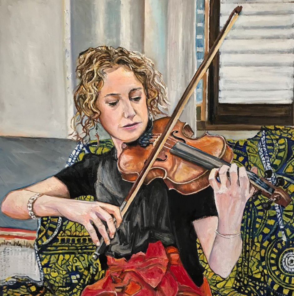 portrait of Bethan playing the Violin